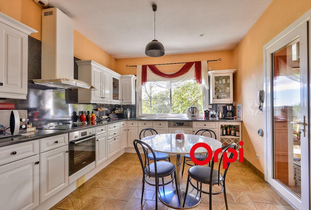 Maison à vendre 8 200m2 à Saint-Genis-Laval vignette-8