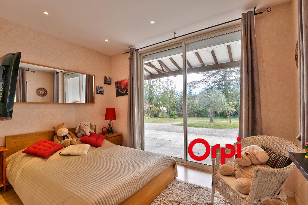 Maison à vendre 8 200m2 à Saint-Genis-Laval vignette-10