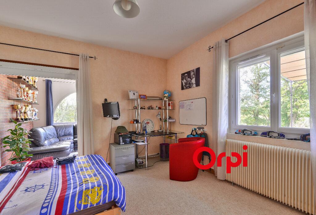 Maison à vendre 8 200m2 à Saint-Genis-Laval vignette-12
