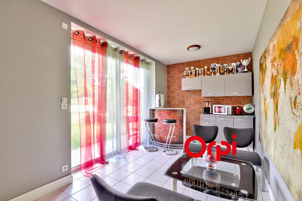 Maison à vendre 8 200m2 à Saint-Genis-Laval vignette-13