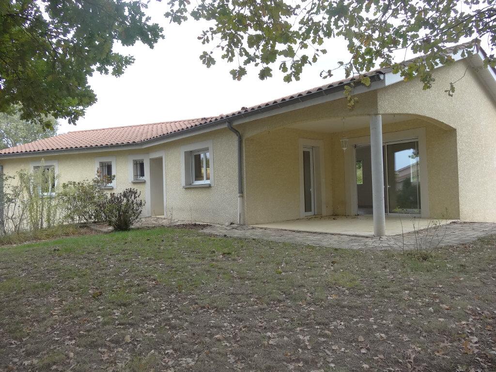 Maison à louer 5 119m2 à Saint-Genis-Laval vignette-3