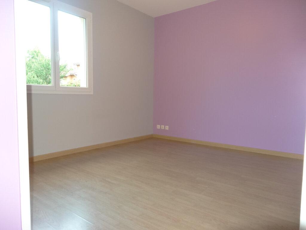 Maison à louer 5 119m2 à Saint-Genis-Laval vignette-13