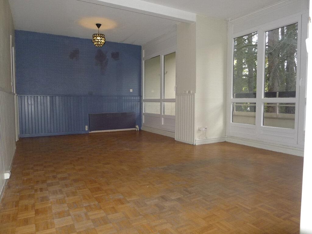 Appartement à vendre 5 96.07m2 à Saint-Genis-Laval vignette-3