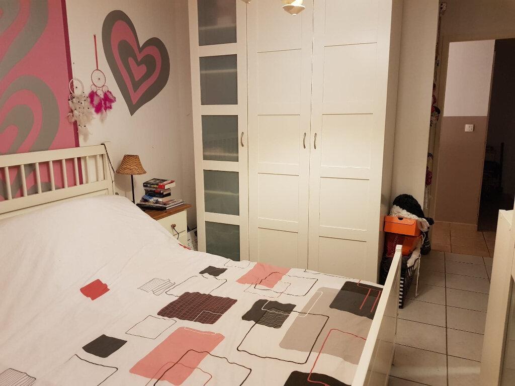 Maison à louer 5 101m2 à Châtillon-sur-Chalaronne vignette-4