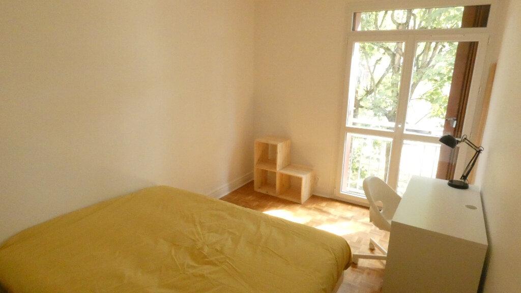 Appartement à louer 4 72m2 à Saint-Genis-Laval vignette-5