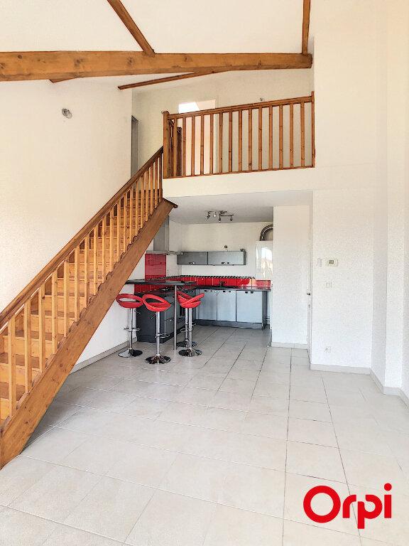 Appartement à vendre 3 71.27m2 à Craponne vignette-2