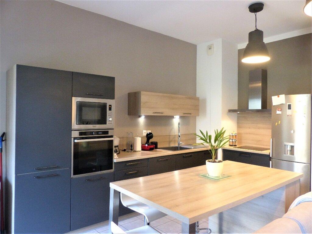 Appartement à vendre 4 81.29m2 à Lyon 9 vignette-1