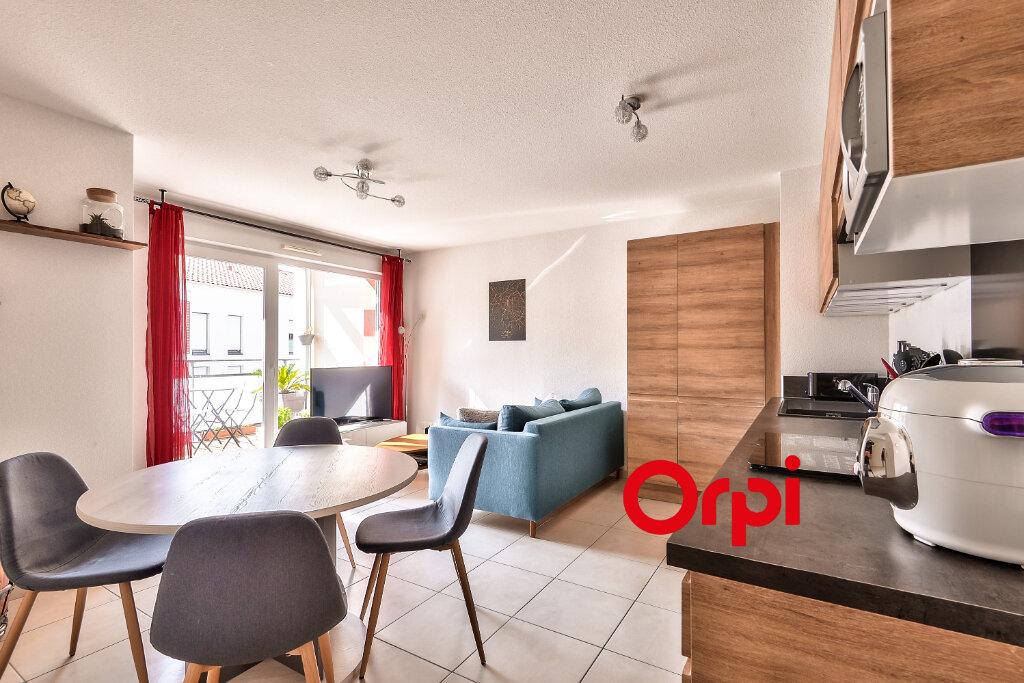 Appartement à vendre 3 54m2 à Rillieux-la-Pape vignette-1
