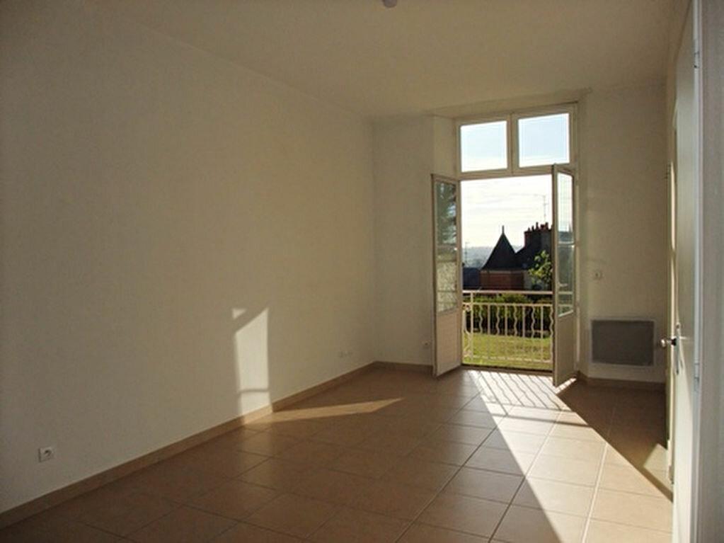Appartement à louer 2 50m2 à Blois vignette-1