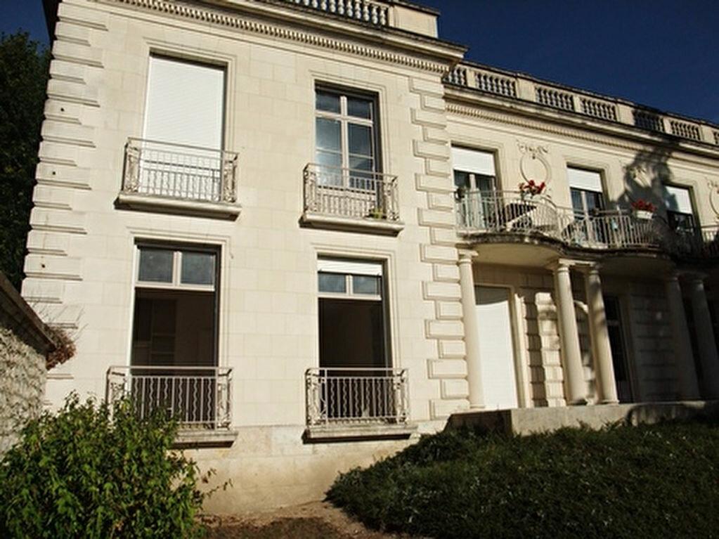 Appartement à louer 2 50m2 à Blois vignette-2