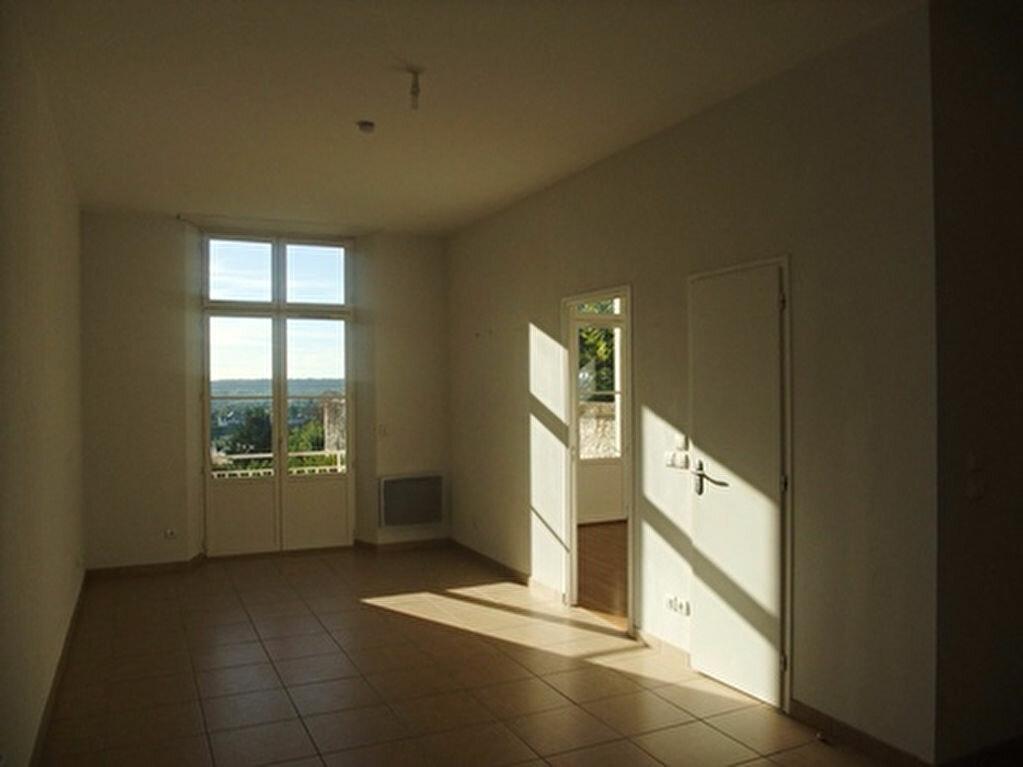 Appartement à louer 2 50m2 à Blois vignette-3