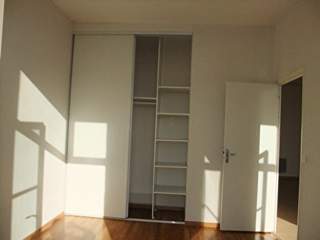 Appartement à louer 2 50m2 à Blois vignette-4