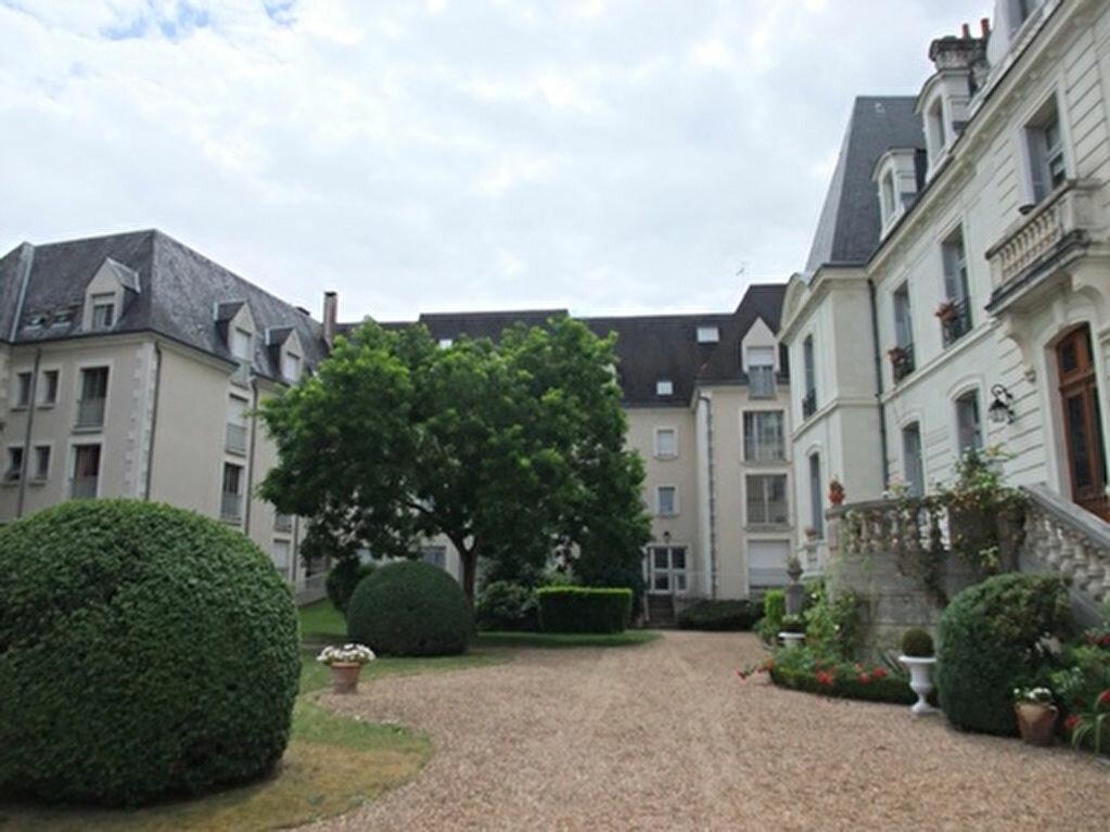 Appartement à louer 1 30m2 à Blois vignette-1