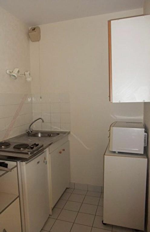 Appartement à louer 1 30m2 à Blois vignette-3