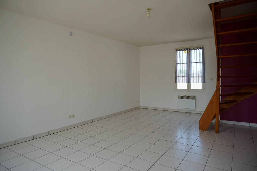 Appartement à louer 3 55.17m2 à Lorris vignette-1