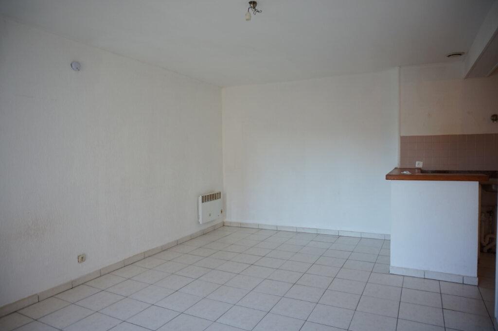 Appartement à louer 2 39m2 à Lorris vignette-2
