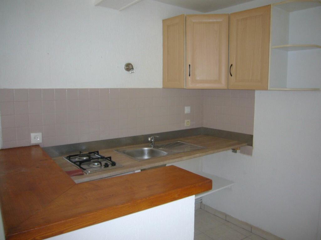 Appartement à louer 2 39m2 à Lorris vignette-4
