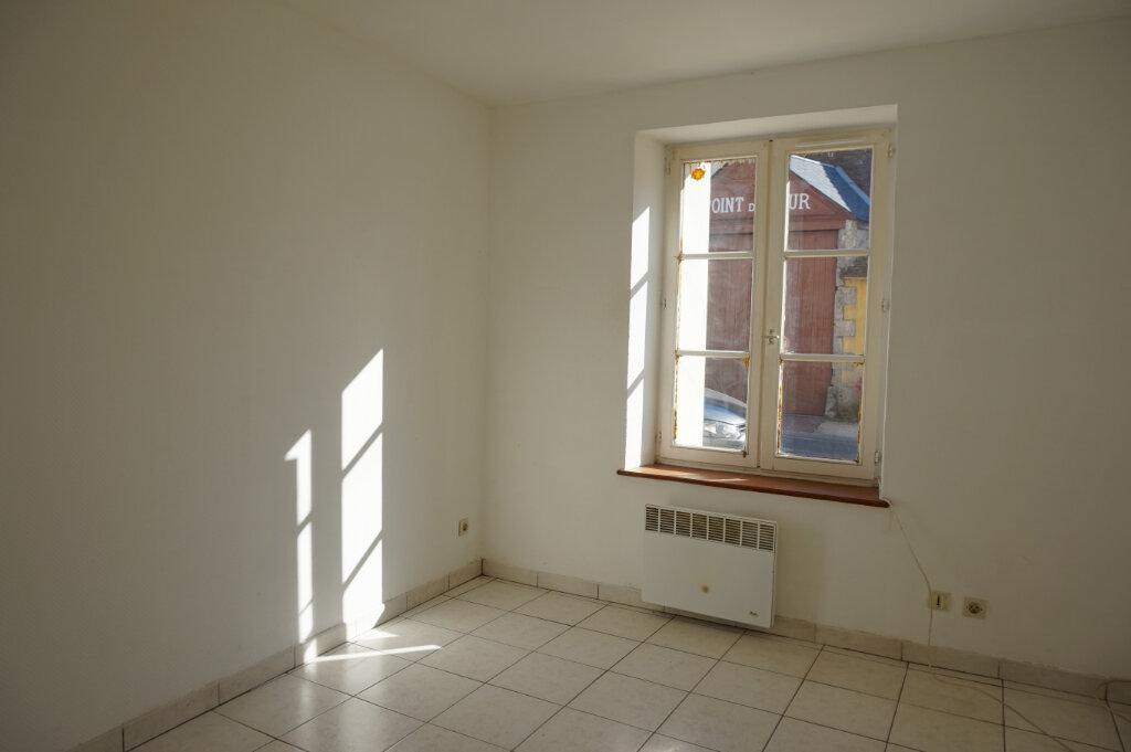 Appartement à louer 2 39m2 à Lorris vignette-5