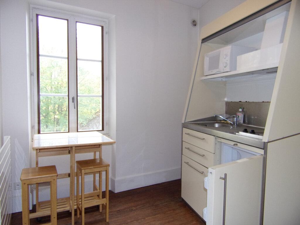 Appartement à louer 2 42m2 à Bellegarde vignette-2