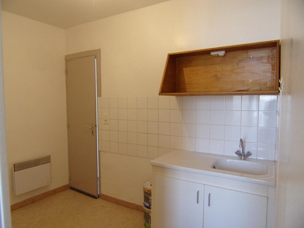 Maison à louer 2 33m2 à Lorris vignette-3