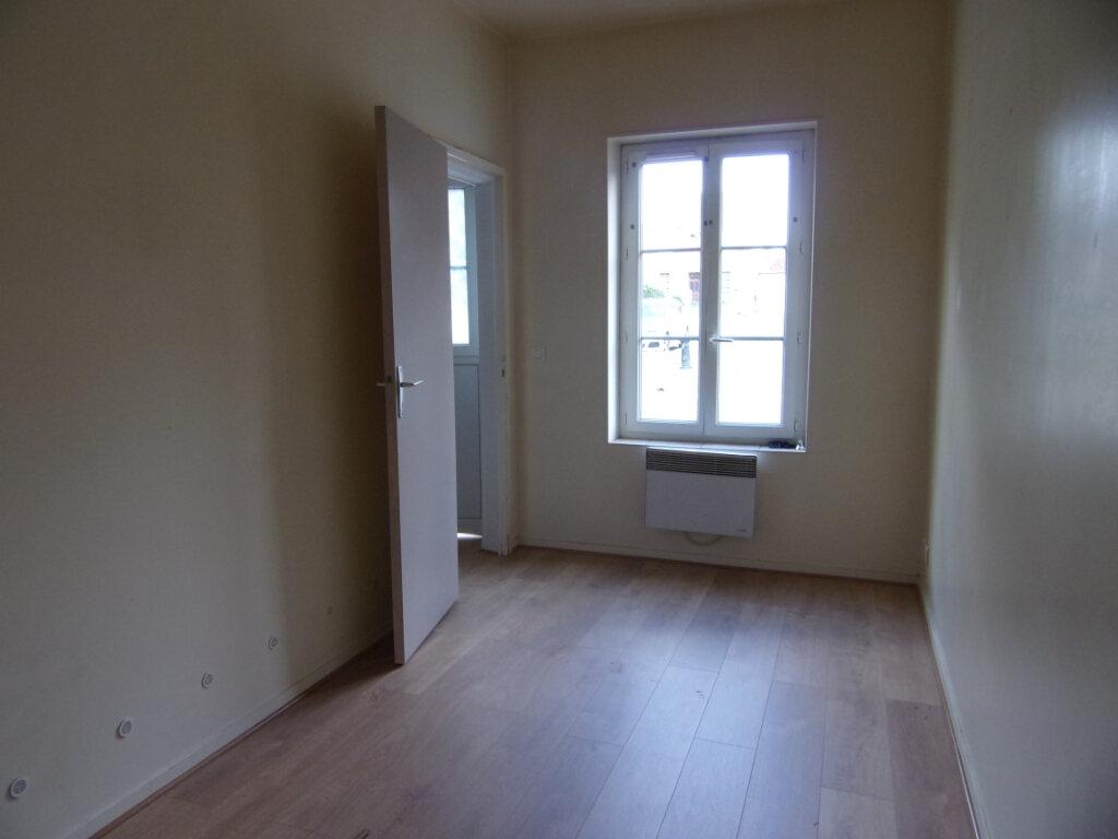 Maison à louer 2 33m2 à Lorris vignette-5