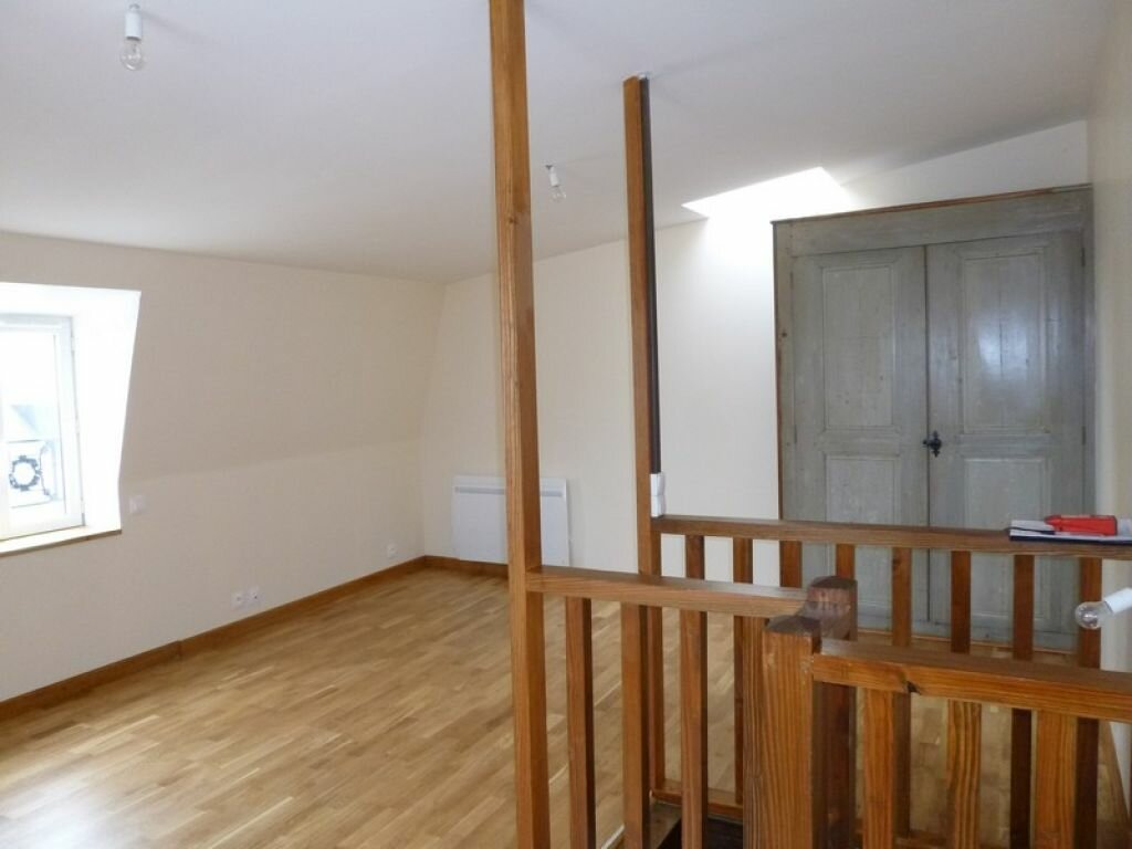 Maison à louer 3 56m2 à Châtillon-Coligny vignette-2