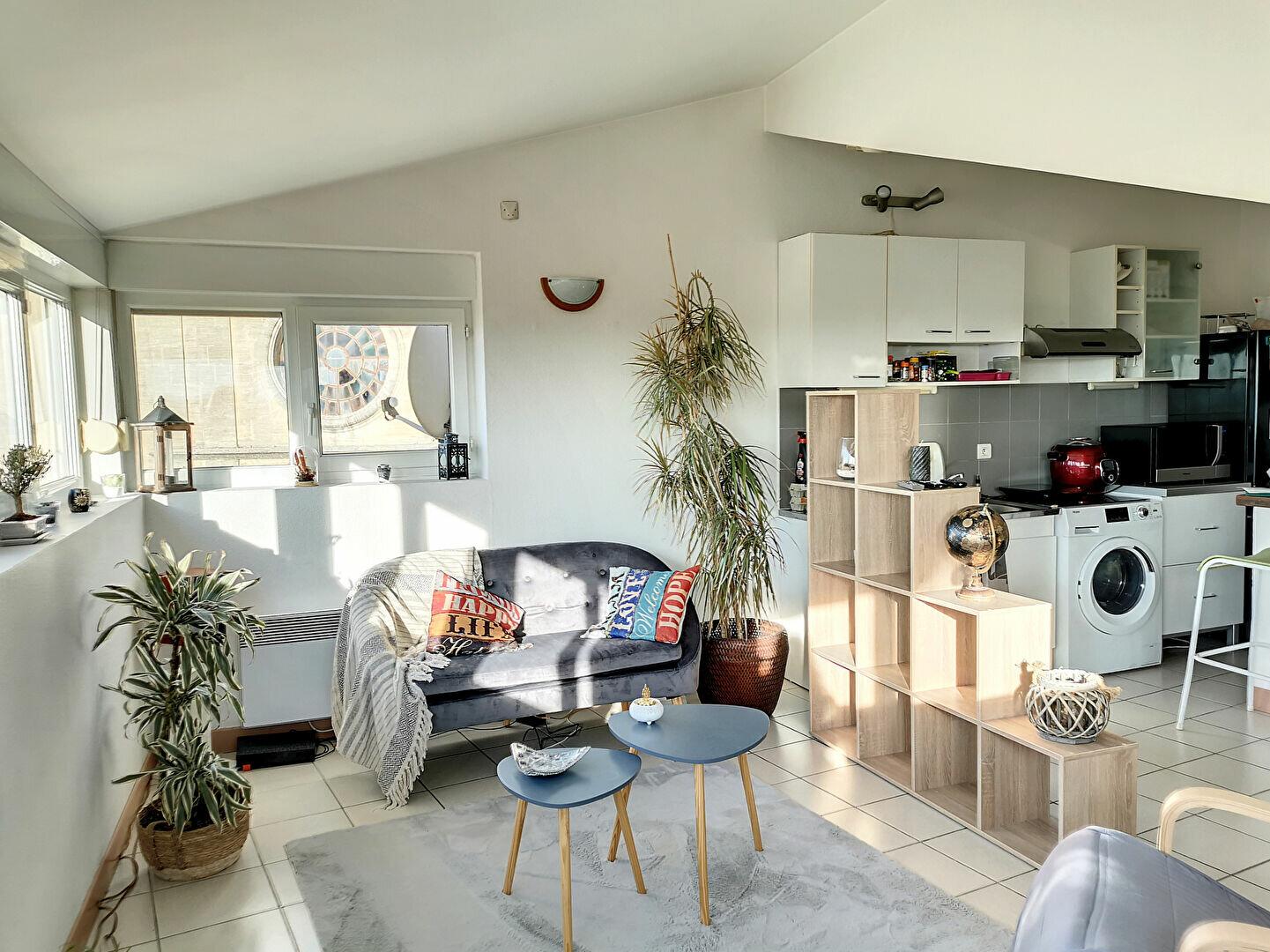 Appartement à louer 3 68m2 à Tavel vignette-1