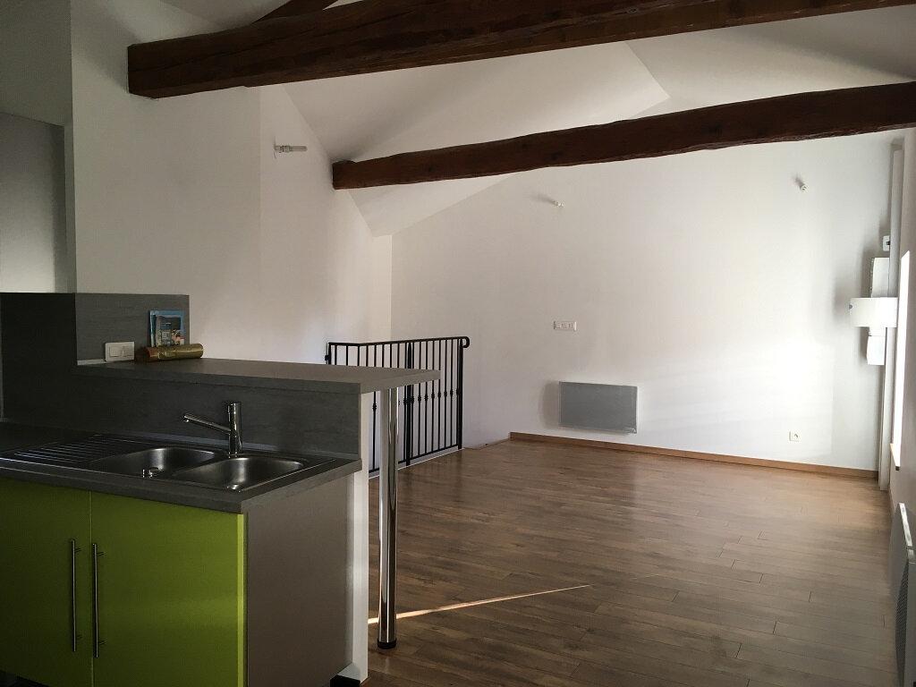 Appartement à louer 2 44m2 à Lirac vignette-1