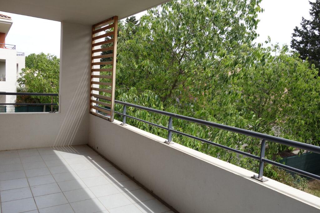 Appartement à vendre 3 66.23m2 à Montfavet - Avignon vignette-2