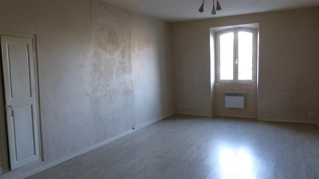 Maison à louer 3 114.7m2 à Beaucaire vignette-2