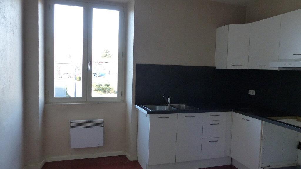 Maison à louer 3 114.7m2 à Beaucaire vignette-3