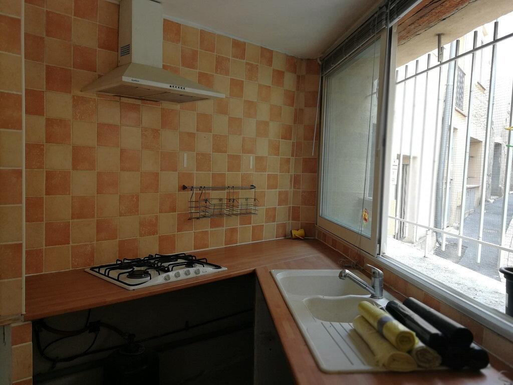 Maison à louer 2 46m2 à Sernhac vignette-3