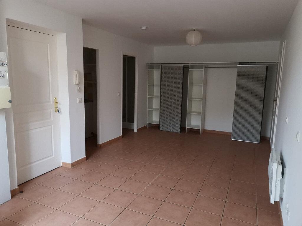 Appartement à louer 1 26.53m2 à Rochefort-du-Gard vignette-1