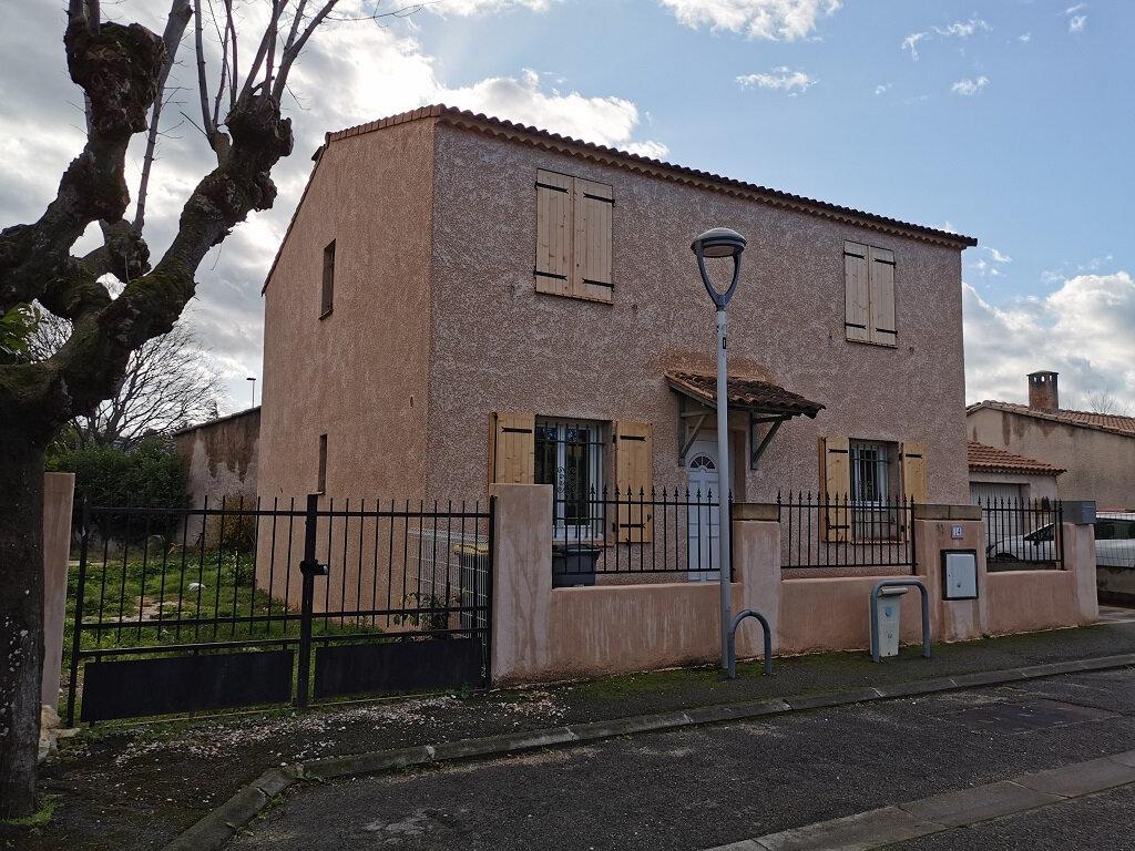 Maison à louer 6 118m2 à Rochefort-du-Gard vignette-1