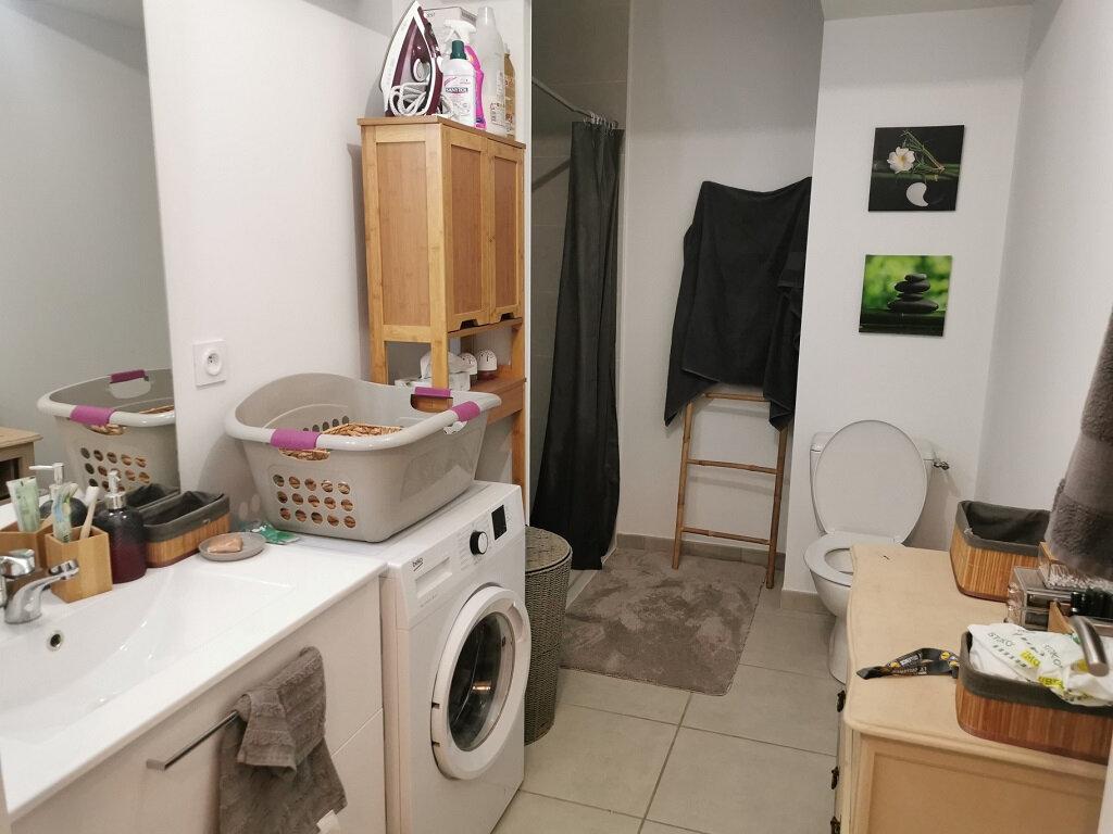 Appartement à louer 1 34m2 à Rochefort-du-Gard vignette-3