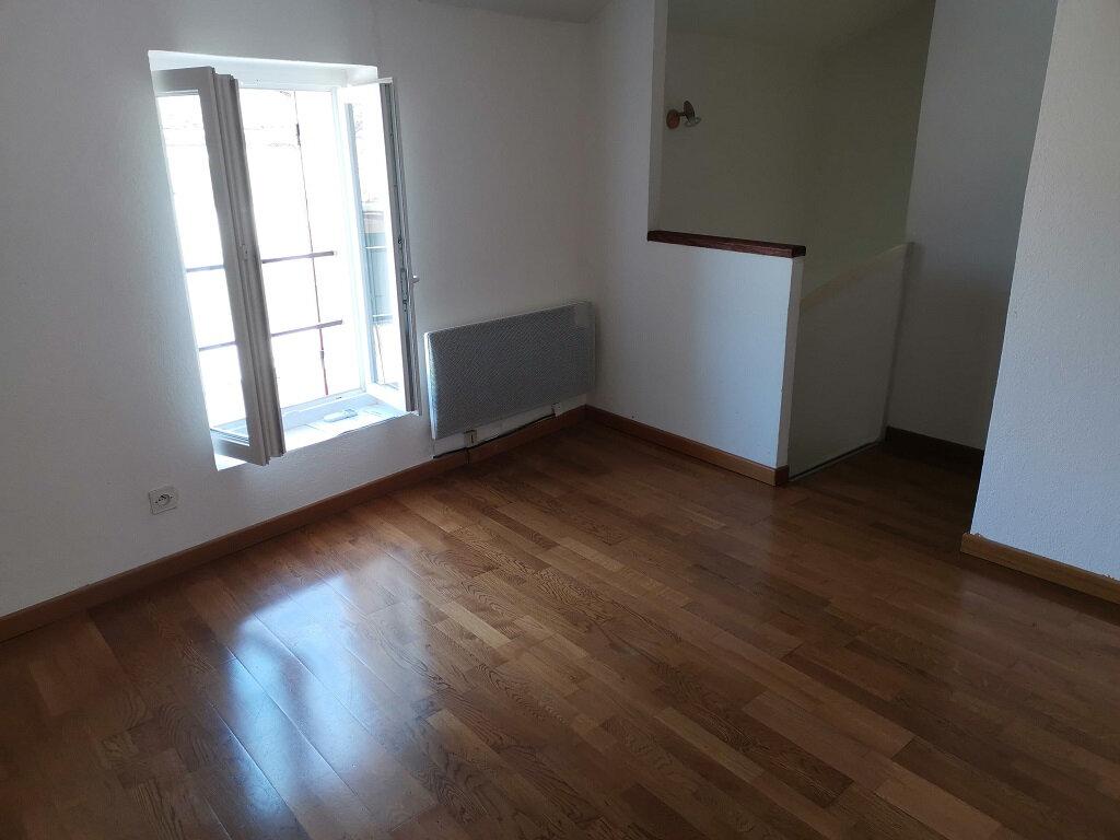 Appartement à louer 2 34m2 à Rochefort-du-Gard vignette-1