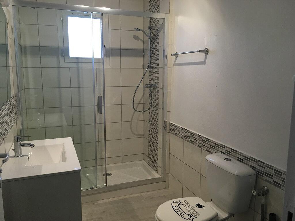 Appartement à louer 3 60m2 à Tavel vignette-2