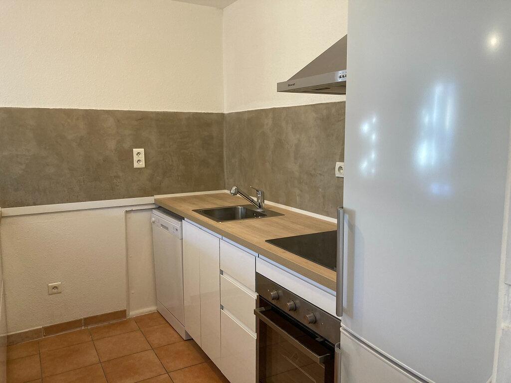 Appartement à louer 3 92m2 à Saze vignette-2