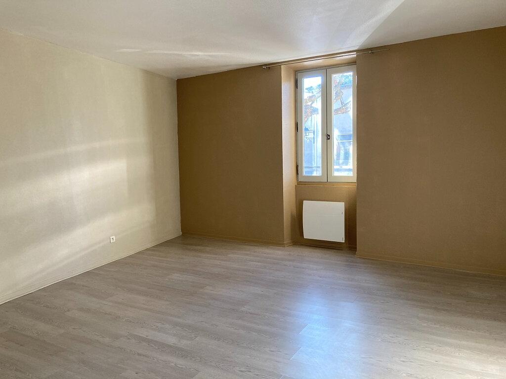 Appartement à louer 3 92m2 à Saze vignette-4