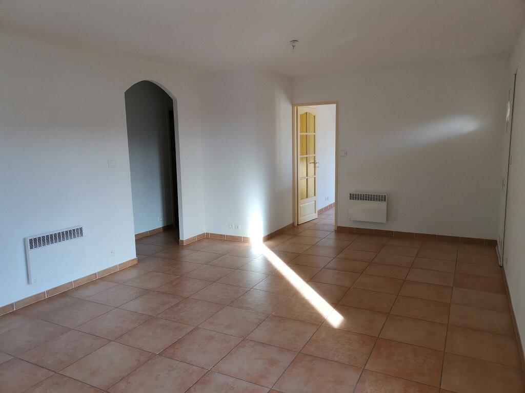 Maison à louer 4 76m2 à Rochefort-du-Gard vignette-2