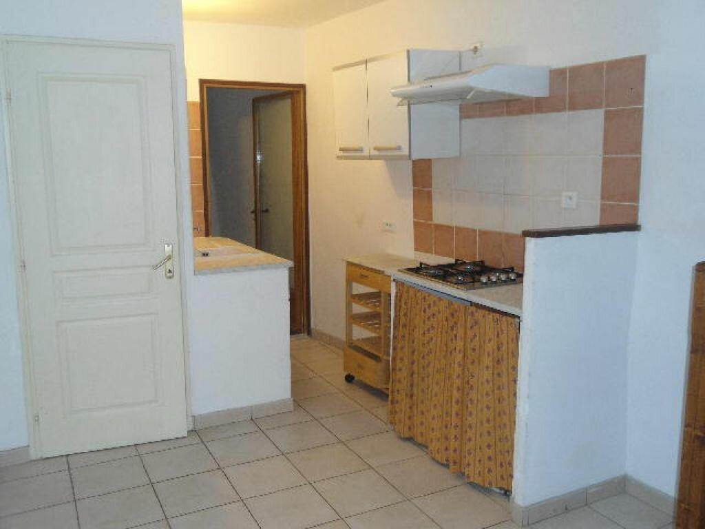 Appartement à louer 3 63m2 à Aups vignette-2