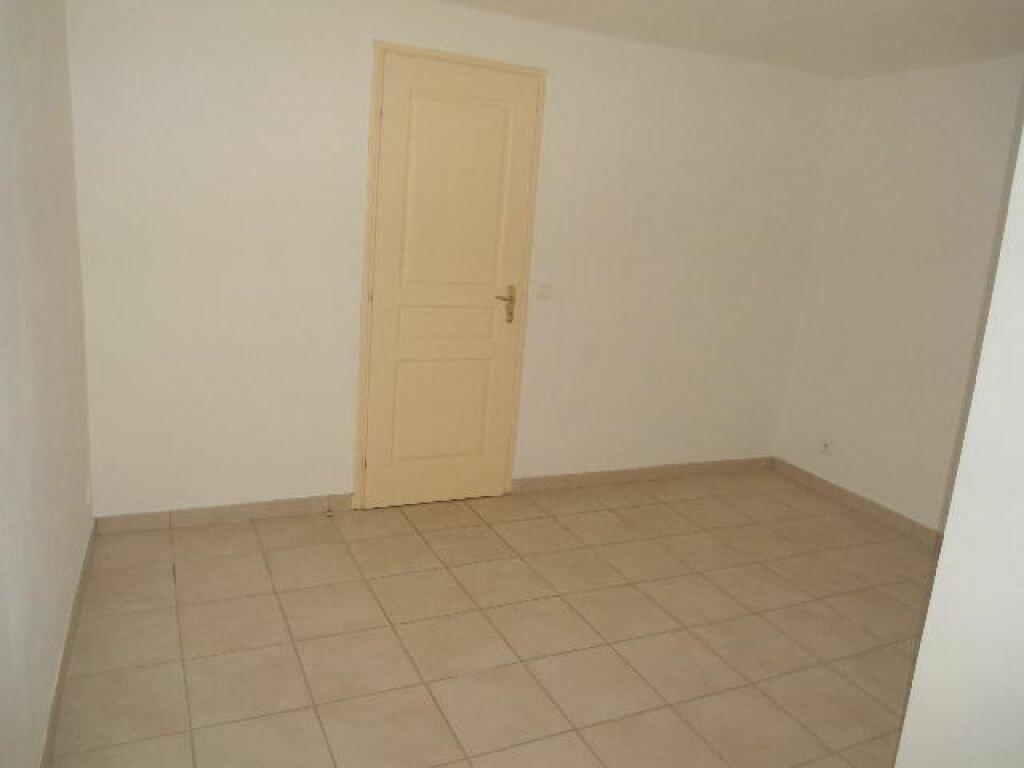 Appartement à louer 3 63m2 à Aups vignette-4