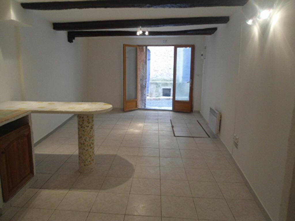 Appartement à louer 1 30m2 à Aups vignette-2
