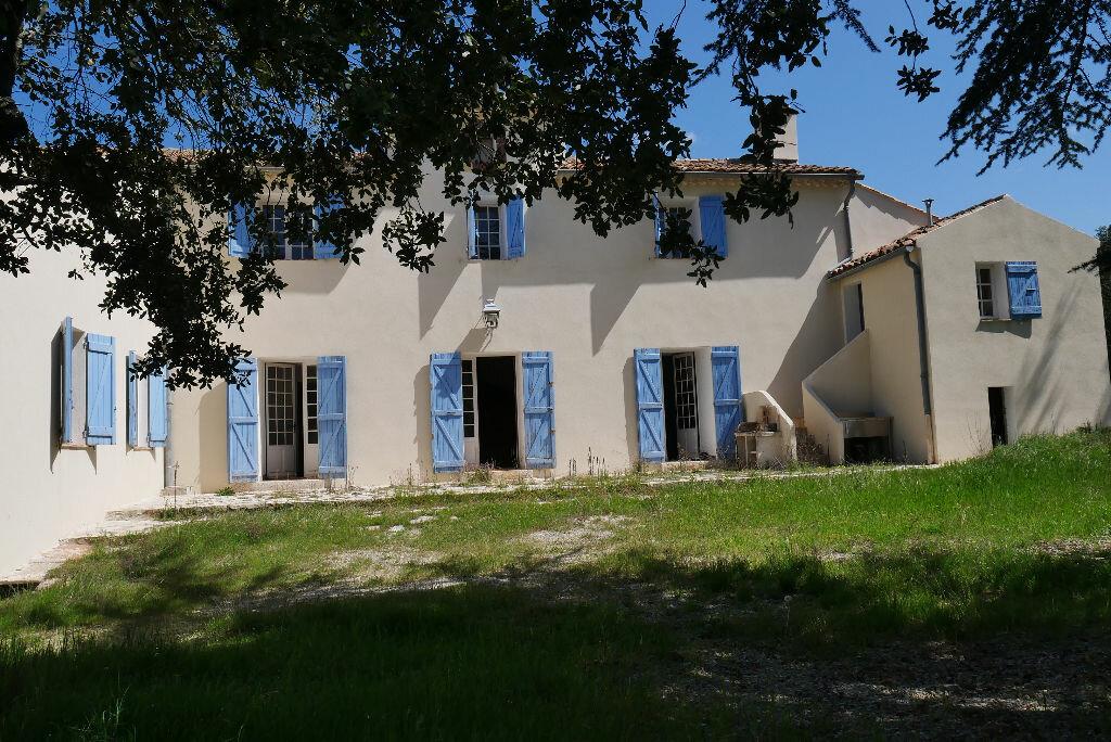 Maison à vendre 10 188m2 à Fox-Amphoux vignette-1