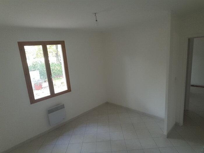 Maison à louer 4 82m2 à Régusse vignette-8
