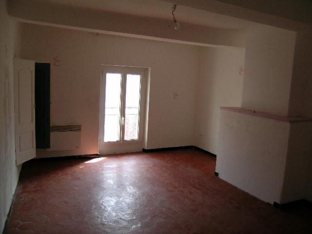 Appartement à louer 3 70m2 à Aups vignette-3