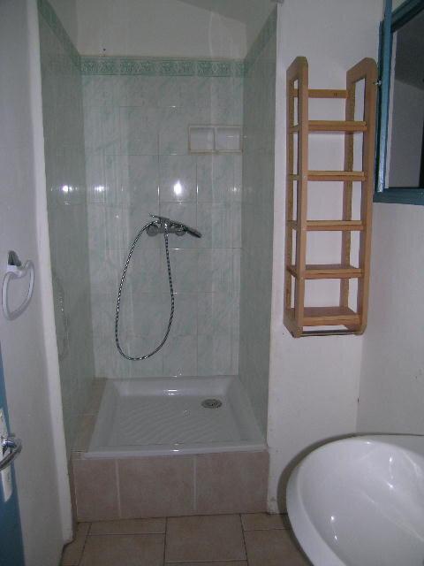 Appartement à louer 3 70m2 à Aups vignette-4