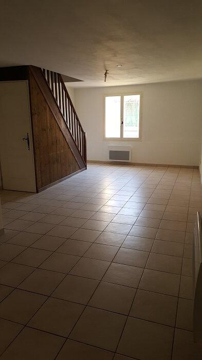 Appartement à louer 4 80m2 à Aups vignette-3