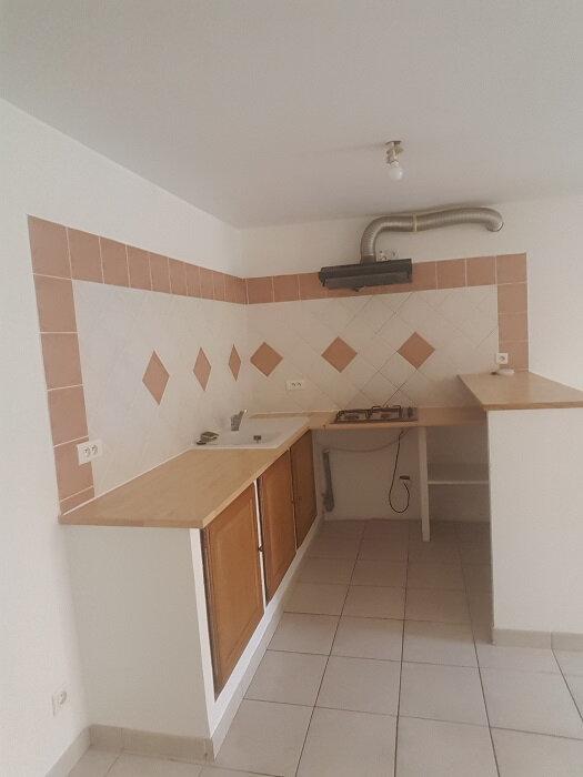 Appartement à louer 4 80m2 à Aups vignette-4