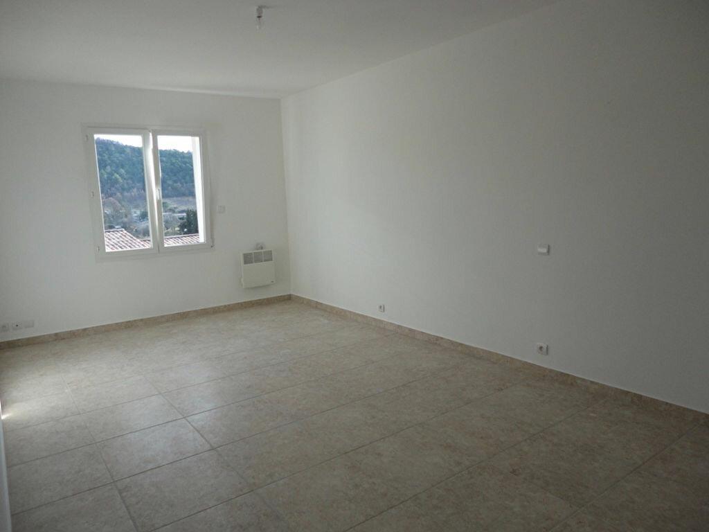 Maison à louer 4 110m2 à Riez vignette-6